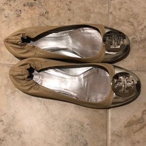 Tory Burch flat in size 8